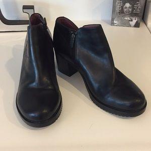 Dansko Amelia black leather boots, Size 42 or 12